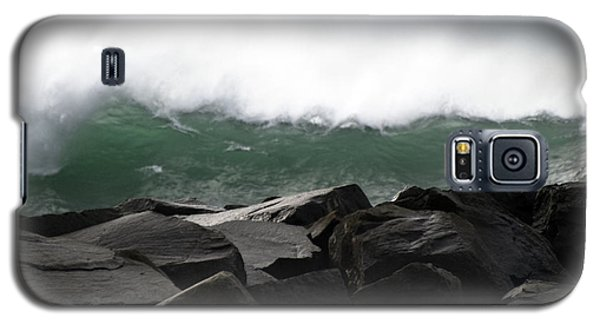 Big Wave Galaxy S5 Case by Larry Keahey