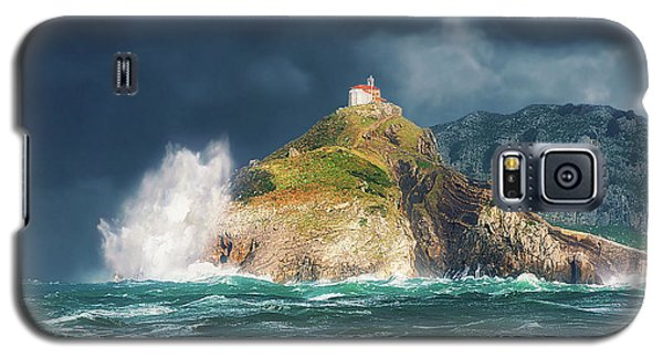 Big Waves Over San Juan De Gaztelugatxe Galaxy S5 Case