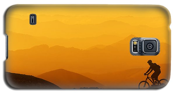 Biker Riding On Mountain Silhouettes Background Galaxy S5 Case