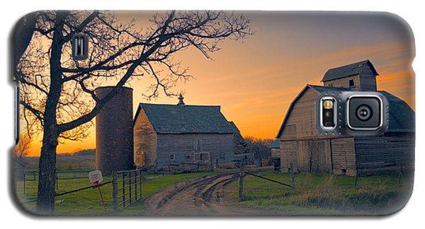 Birch Barn 2 Galaxy S5 Case by Bonfire Photography