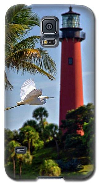 Bird In Flight Under Jupiter Lighthouse, Florida Galaxy S5 Case