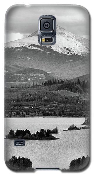 Galaxy S5 Case featuring the photograph Black And White Breckenridge by Dan Sproul