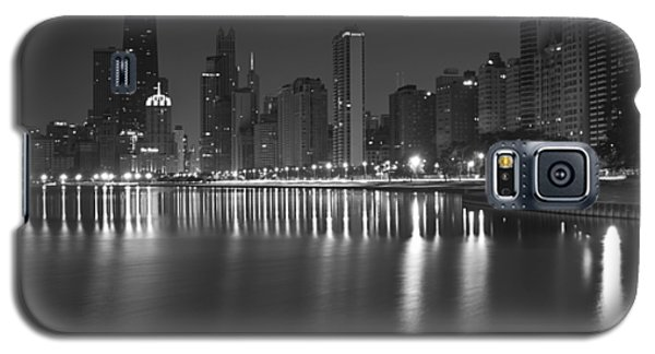 Black And White Chicago Skyline At Night Galaxy S5 Case