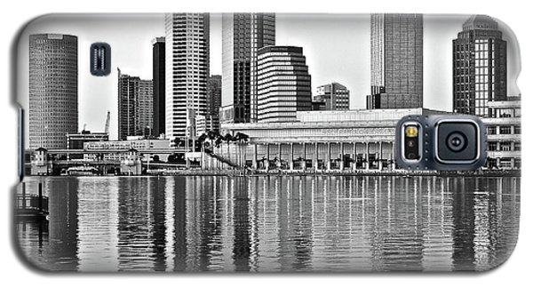 Black And White In The Heart Of Tampa Bay Galaxy S5 Case by Frozen in Time Fine Art Photography