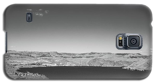 Black And White Landscape Photo Of Dry Glacia Ancian Rock Desert Galaxy S5 Case