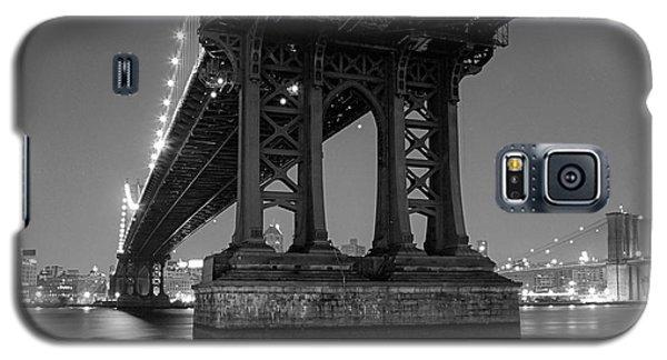 Black And White - Manhattan Bridge At Night Galaxy S5 Case