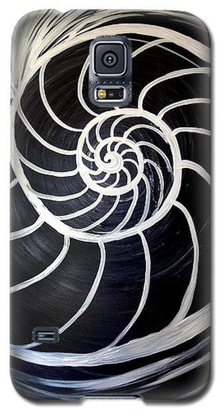 Black And White Nautilus Spiral Galaxy S5 Case