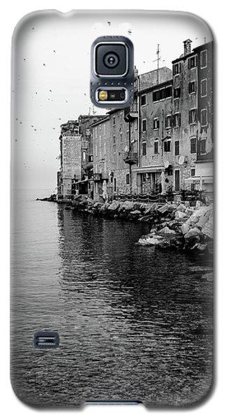Black And White - Rovinj Venetian Buildings And Adriatic Sea, Istria, Croatia Galaxy S5 Case