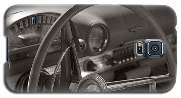 Black And White Thunderbird Steering Wheel  Galaxy S5 Case by Heather Kirk