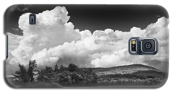 Black And White Vienna Maine Flying Pond With Storm Clouds Fine Art Print Galaxy S5 Case by Keith Webber Jr