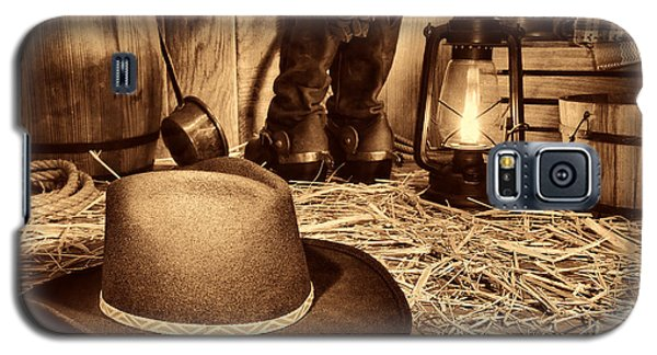 Black Cowboy Hat In An Old Barn Galaxy S5 Case