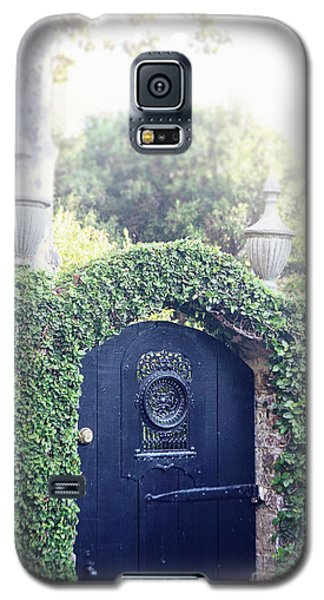Black Garden Door Galaxy S5 Case