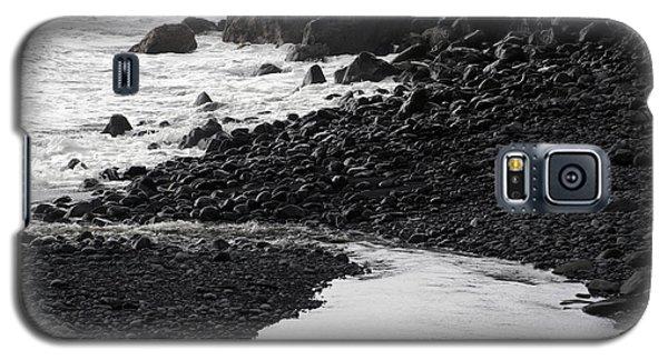 Black Lava Beach, Maui Galaxy S5 Case