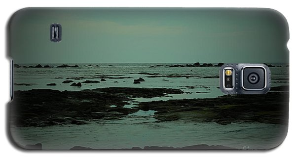 Black Rock Beach Galaxy S5 Case by Mini Arora