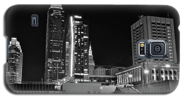 Galaxy S5 Case featuring the photograph Blackest Night In Cle by Frozen in Time Fine Art Photography
