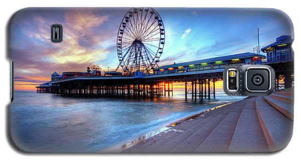 Galaxy S5 Case featuring the photograph Blackpool Pier Sunset by Yhun Suarez