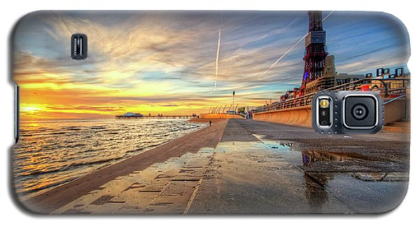 Galaxy S5 Case featuring the photograph Blackpool Sunset by Yhun Suarez