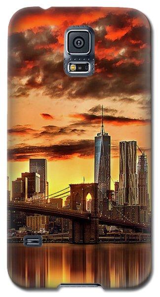 Blazing Manhattan Skyline Galaxy S5 Case