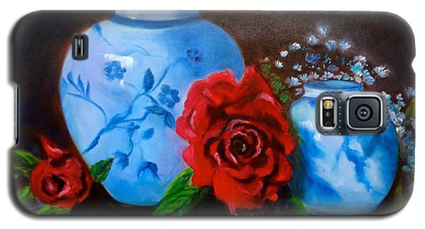 Blue And White Pottery And Red Roses Galaxy S5 Case