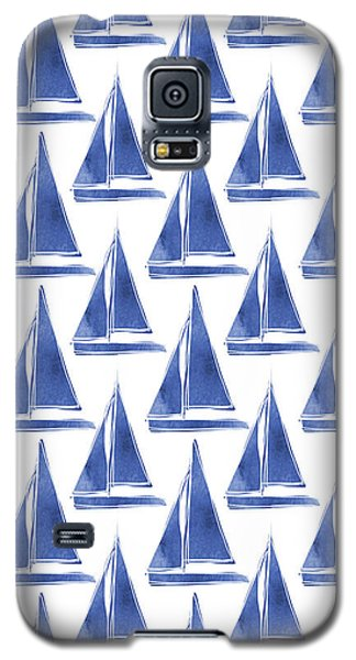 Boat Galaxy S5 Case - Blue And White Sailboats Pattern- Art By Linda Woods by Linda Woods