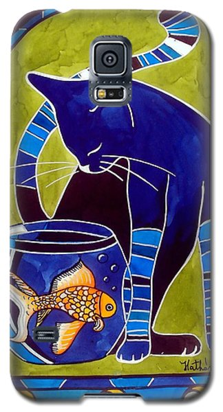 Galaxy S5 Case featuring the painting Blue Cat With Goldfish by Dora Hathazi Mendes