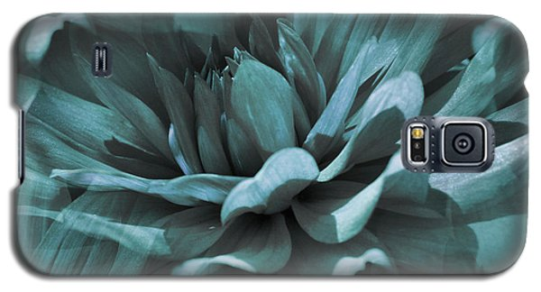 Blue Dahlia Dreams Galaxy S5 Case
