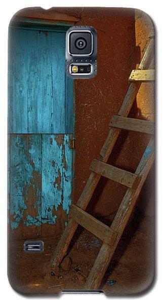 Blue Door And Ladder - Taos Pueblo Galaxy S5 Case