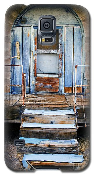 Galaxy S5 Case featuring the photograph Blue Door Of Riley by Craig J Satterlee