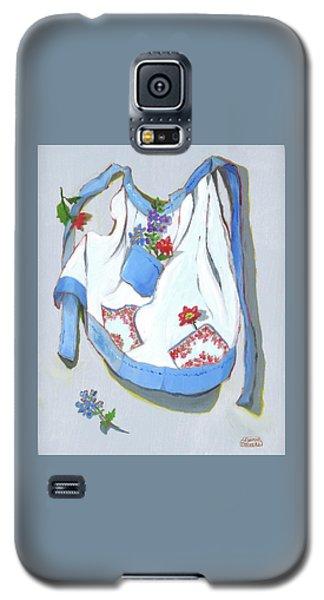 Blue Handkerchief Apron Galaxy S5 Case by Susan Thomas