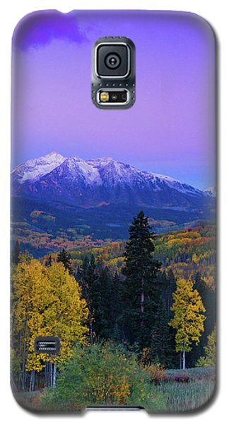 Blue Hour Over East Beckwith Galaxy S5 Case