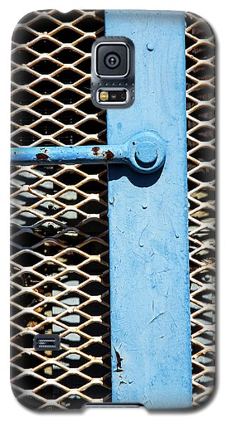 Galaxy S5 Case featuring the photograph Blue On White by Karol Livote