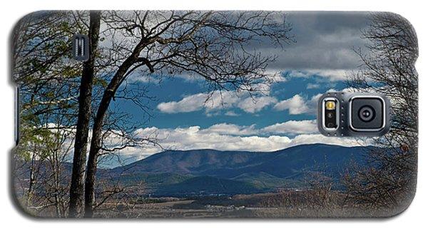 Galaxy S5 Case featuring the photograph Blue Ridge Thornton Gap by Lara Ellis