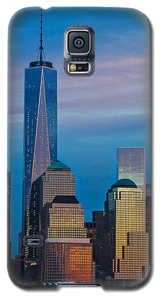 Galaxy S5 Case featuring the photograph Blue Sunset At The World Trade Center by Eleanor Abramson