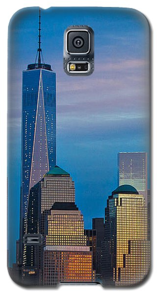 Blue Sunset At The World Trade Center Galaxy S5 Case by Eleanor Abramson