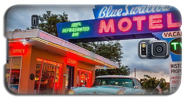 Blue Swallow Motel On Route 66 Galaxy S5 Case by Steven Bateson