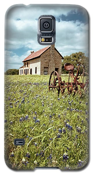 Galaxy S5 Case featuring the photograph Bluebonnet Fields by Linda Unger
