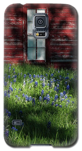 Galaxy S5 Case featuring the photograph Bluebonnets In The Shade by David and Carol Kelly