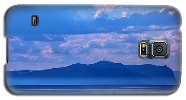 Boat In Lake Galaxy S5 Case by Rick Bragan