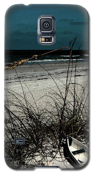 Boat On The Beach Galaxy S5 Case by Randy Sylvia