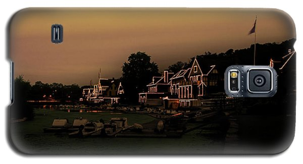 Galaxy S5 Case featuring the photograph Boathouse Row From The Lagoon Before Dawn by Bill Cannon