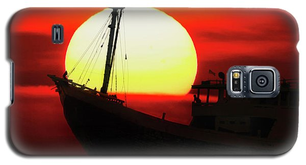 Boatman Enjoying Sunset Galaxy S5 Case