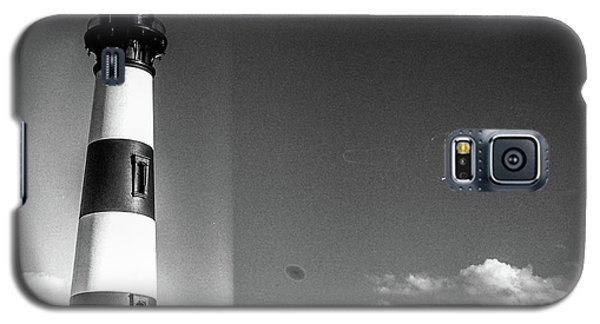 Galaxy S5 Case featuring the photograph Bodie Island Lighthouse by David Sutton