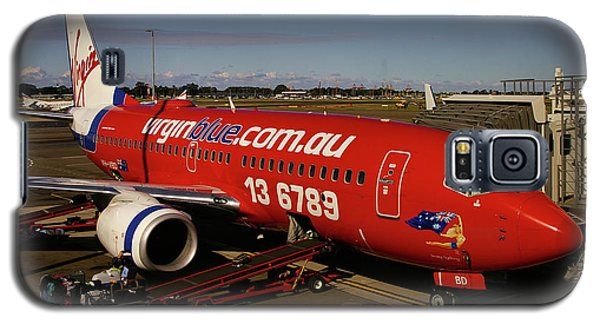 Galaxy S5 Case featuring the photograph Boeing 737-7q8 by Tim Beach