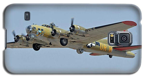 Galaxy S5 Case featuring the photograph Boeing B-17g Flying Fortress N93012 Nine-o-nine Phoenix-mesa Gateway Airport Arizona April 15, 2016 by Brian Lockett