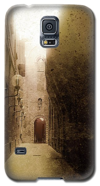 Galaxy S5 Case featuring the photograph Bologna, Italy - Medieval Light by Mark Forte
