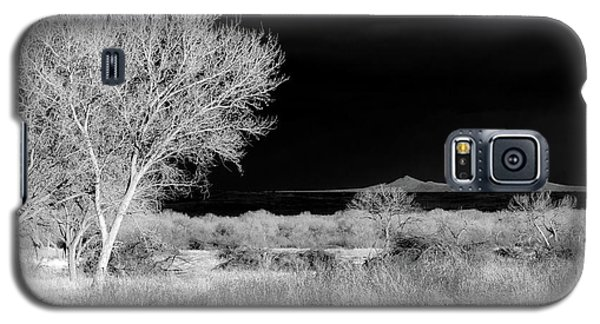 Galaxy S5 Case featuring the photograph Bosque Del Apache - Infrared by Britt Runyon