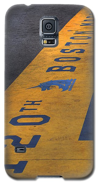 Boston Marathon Finish Line Galaxy S5 Case by Joann Vitali