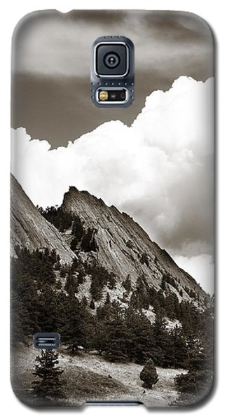 Large Cloud Over Flatirons Galaxy S5 Case