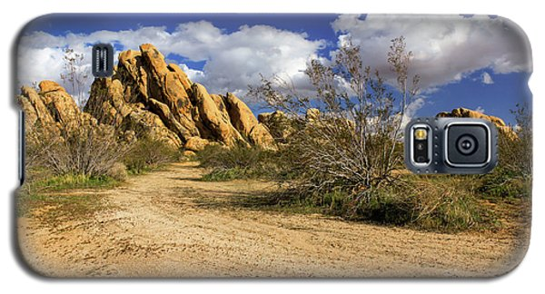 Boulders At Apple Valley Galaxy S5 Case by James Eddy