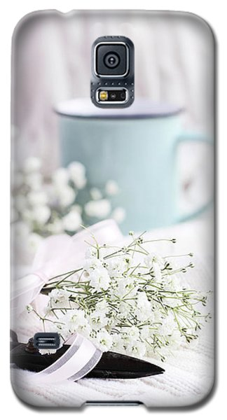 Galaxy S5 Case featuring the photograph Bouquet Of Baby's Breath by Stephanie Frey